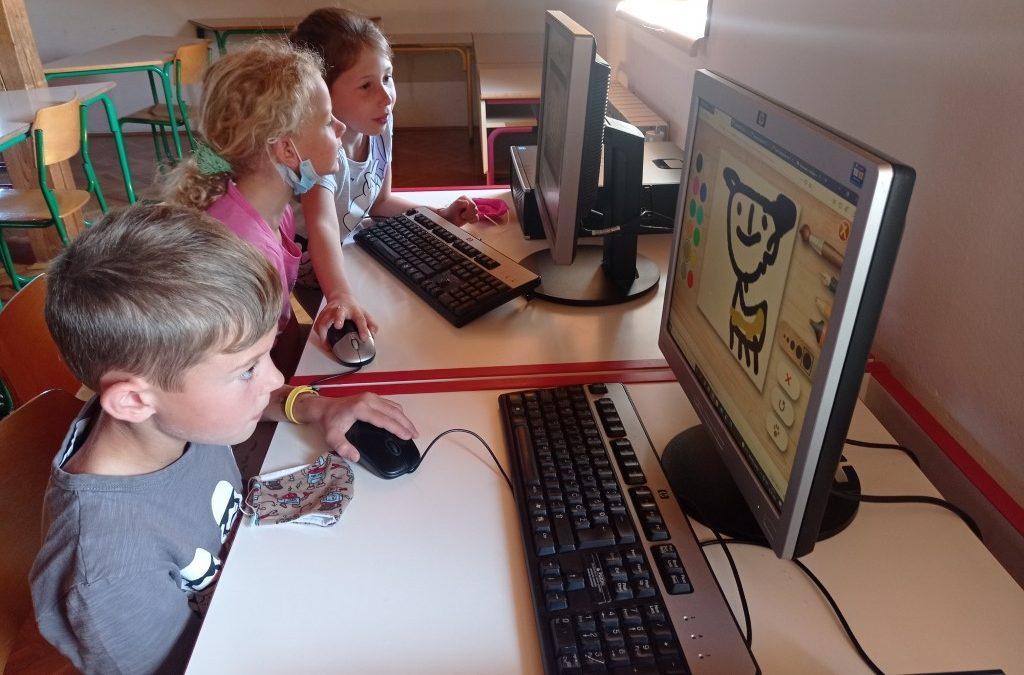 Tehniški dan: računalnik, 1. in 2. razred PŠ Adlešiči