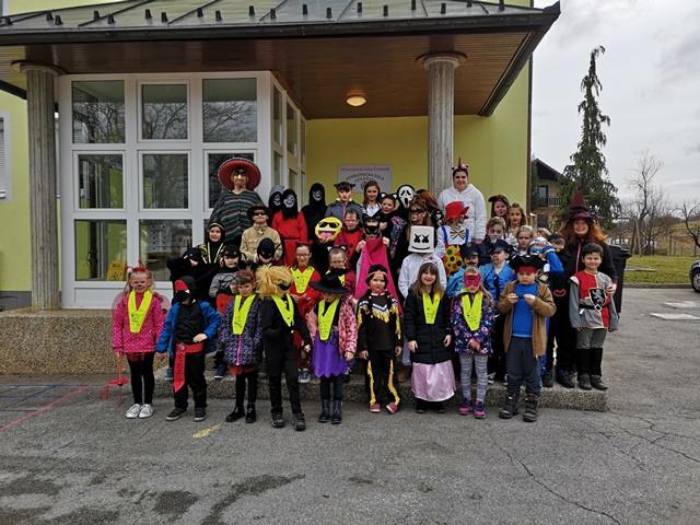 Pustovanje na podružnični šoli Adlešiči